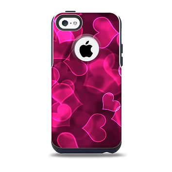 The Glowing Pink Outlined Hearts Skin for the iPhone 5c OtterBox Commuter Case
