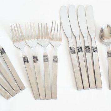 "Vintage Northland Oneida ""Danish Fling"" Flatware Set, 16 Piece Stainless Steel Silverware, SET for 4, Flower Pattern"