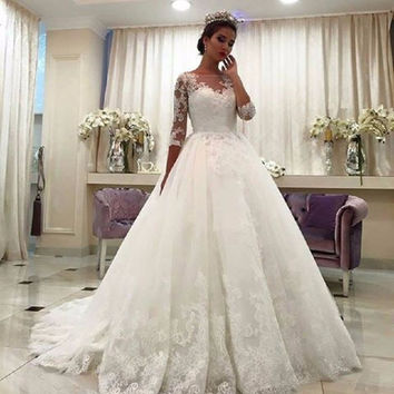 Sexy Boat Neck Wedding Dresses 2017 Three Quarter Sleeves Sweep Train Applique Lace Bridal Gown robe de mariage