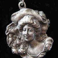 """Victorian Lady Pendant Necklace Signed """"Gold'n Things & Pewter"""" Chain 24"""" Vintage"""