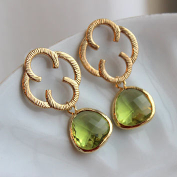 Peridot Green Earrings Gold Clover Quatrefoil - Sterling Silver Posts - Bridesmaid Earrings - Wedding Earrings - Peridot Wedding Jewelry