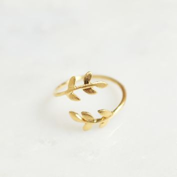 Leaf Wrap Ring Gold