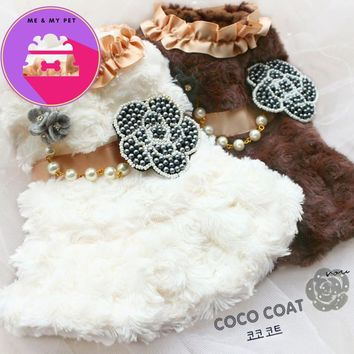 Free shipping C style Rose circle lint beaded camellia imitation fur dog coat apparel pet puppy warm clothes
