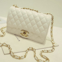 """""""Chanel""""Exquisite Lingge chain package ladies fashion package shoulder diagonal cross package White"""