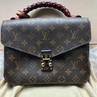 Louis Vuitton Lv Bag #559