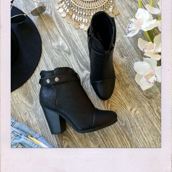 Barcelona Booties- Black
