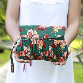 Floral clutch in vintage green, gathered clutch, pleated wristlet purse