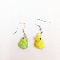 Parakeet Polymer Clay Earrings, tiny bird earrings, cute animal earrings, kawaii clay earrings, cute clay earrings, little girl earring