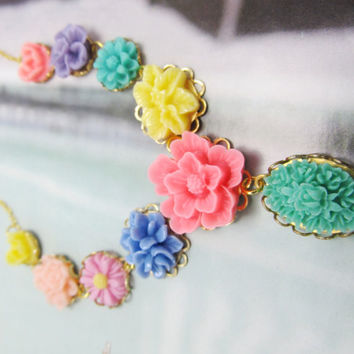 Sofia Sweet and Beautiful Resin Flower Necklace,  Happy colors, great gifts  4tasteofshabbychic