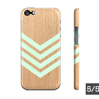 Mint Green Chevron Geometric Wood - Premium Apple Iphone 5/5s 4/4s Case - Also Available For Samsung Galaxy S5 S4 S3 Case