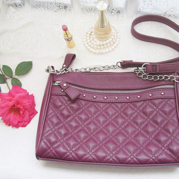 crossbody purse, faux leather, vegan purse, messenger bag, shoulder bag, silver chain, plum berry red, quilted purse