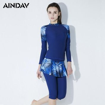 Long Sleeve Tops and Half Length Skirt Pants Two Pieces Swimsuit Rash Guard Slim Swimming Diving Suits Wetsuits Women Swimwear