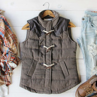 Northlight Toggle Vest