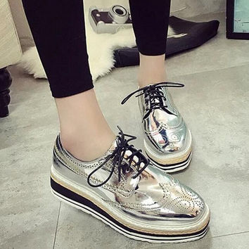 2017 Spring New Brogue Casual Shoes Patent Leather Platform  Women Shoes Glitter Fashion Comfortable Flats Lace Up WSN93