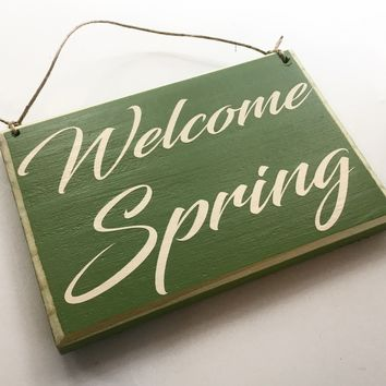 8x6 Welcome Spring Wood Sign