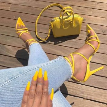 New lace-up sandals with pointed heels are oversized for women