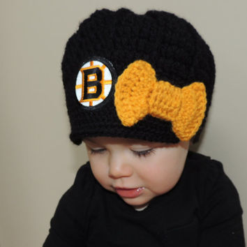 Girls Handmade Boston Bruins Crochet Newsboy Hat with Bruins Patch and bow / NHL Baby / Photo Prop / Custom Made Infant, Baby