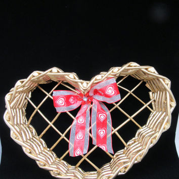 Heart Shaped Basket-Gold Heart Basket-Valentine Basket-Wall Heart Basket-Gift-Storage-Table Decor-Wedding Decor-Home Decor-Country Decor-
