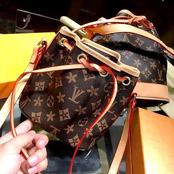 LV 2019 new drawstring small bucket bag shoulder bag