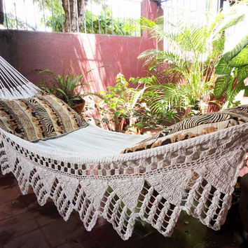 One Color Beige Single Hammock Hand-Woven Natural Cotton Triangle Fringe