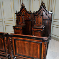 STUNNING Italian Gothic Bedroom Large Beautiful Bed in Walnut One of the Very Best #7285