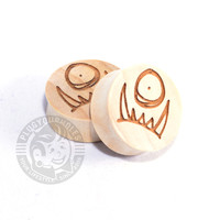 Peepers - One Eye Underbite - Choonimals - Engraved Wood Plugs