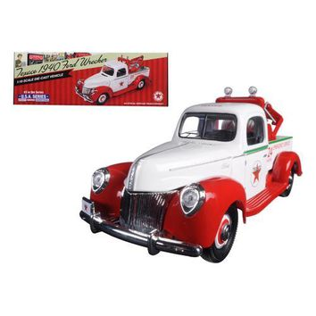 "1940 Ford Tow Truck Wrecker ""Texaco"" 1/18 Diecast Model by Autoworld"