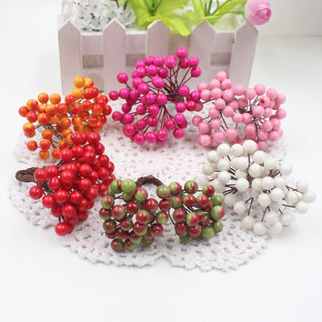 Cheap 25Pcs 50heads 0.6cm Berry Bacca Artificial Flower For Wedding Decoration DIY Scrapbooking Decorative Wreath Fake Flowers
