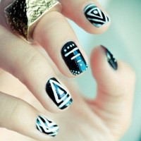Graphic Black & White Nail Art