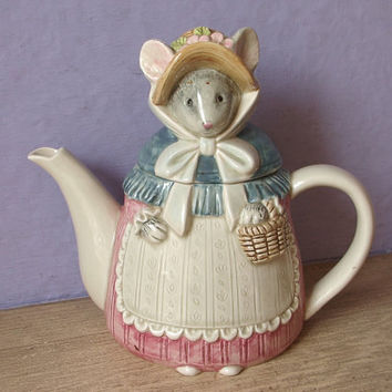 Vintage Otagiri teapot, mouse teapot, figural teapot, Japanese teapot, Ceramic mouse, Birthday gift for mom, collectible animal figurine