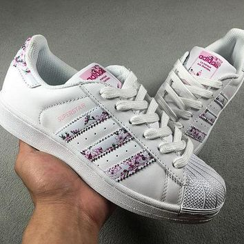 CREYON6GS Adidas Superstar W Shell-toe Flats White Pink Women Sn 36a387299d