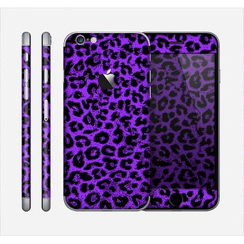 The Vibrant Violet Leopard Print Skin for the Apple iPhone 6