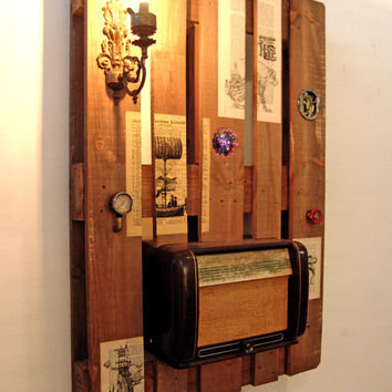 Steampunk themed pallet as a functional wall decoration, stereo, bluetooth, lamp, lighting, clock, decor,