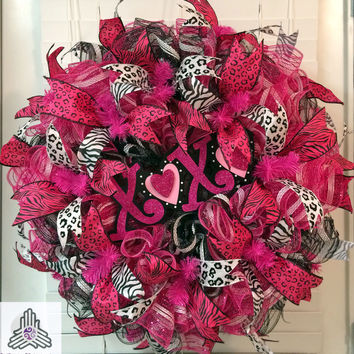 Valentine's Day XOXO Hot Pink/Black Ruffle Deco Mesh Wreath