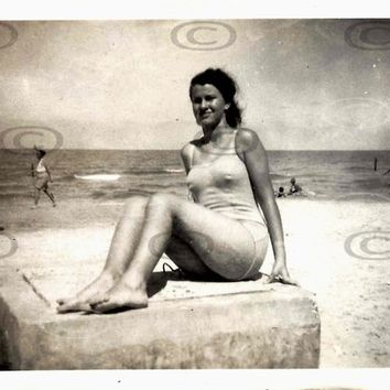 Digital Download, Vintage 1940s Photo, Black & White Beach Photo, Young Woman in Swimming suit, Bathing Suit, Tel-Aviv, Printable Photo