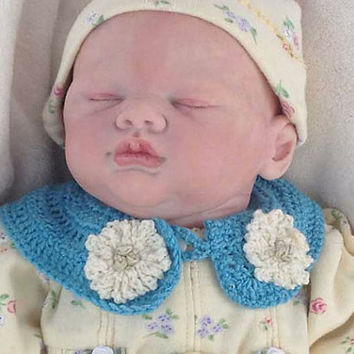 Outlander Baby Collar Turquoise Blue Newborn to 6 months Mandy Flowers Photo Prop Crocheted Diana Gabaldon FREE SHIPPING