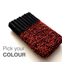 iPhone sleeve in your favourite colour by TheNewcrochet on Etsy
