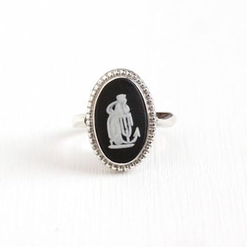 Vintage English Wedgwood Sterling Silver Hope & Anchor Cameo Ring - Size 6 1/2 Black Jasperware London England 1974 Neoclassical Jewelry