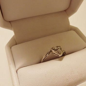 10K White Gold Three Stone Diamond Heart Ring Size 5.75