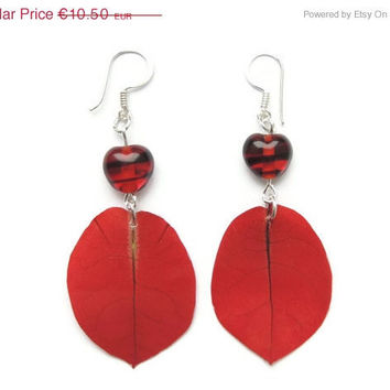 ON SALE Dried Bougainvillea earrings, Petal jewelry, red dangle earrings, Silver jewelry, glass beads, eco chic