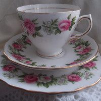 Colclough bone china tea cup, saucer and plate (vintage trio). Ideal for vintage wedding, tea shop, display or use.