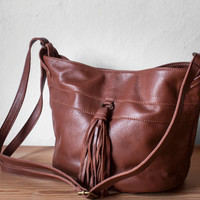 Bucket Bag in Chestnut Brown / Leather Bucket Bag / Leather Bag / Fringe Bag / Bucket Bag / Leather Handbag /Leather Tote /Brown Leather Bag