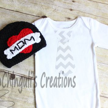 Mother's Day Baby Bodysuit Baby Bodysuit and Black Hat MOM Tattoo Crochet Hat, Mothers Day Hat, Newborn Photo Prop,Infant Boys Heart Hat