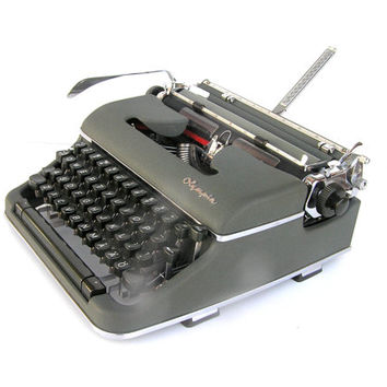 Working typewriter Olympia SM4 De Luxe 1958 excellent cosmetic and working condition retro writer vintage antique portable typewriters
