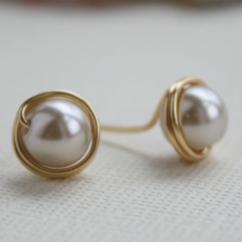 Beige stud earrings glass pearl  nickel free by collscreations