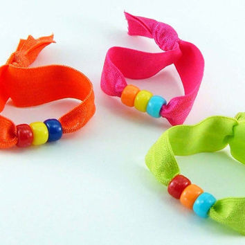 3 Knotted Elastic Hair Ties Beaded Friendship Bracelets - ponytail kid girl child fluo neon party favor orange pink lime - Élastiques
