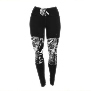 "BarmalisiRTB ""The Night Has Come"" Black White Yoga Leggings"