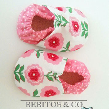 Soft Sole Baby Shoes, Flower Baby Shoes, Organic Baby Booties, Baby Girl Shoes,  Baby Pink Booties, Crib Baby shoes, Made to order 0-24M