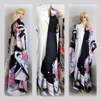 Luxurious Japanese Kimono Robe Silk Floral Long Cover up Cloak Designer Kaftan Furisode Black and White Womens Vintage Clothing Formal Dress
