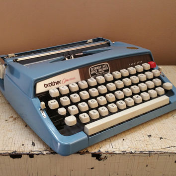 Brother Opus 888 Manual Portable Typewriter with Case